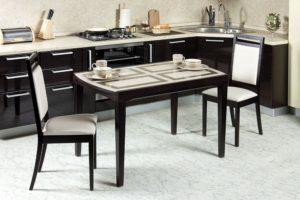 Обеденные столы на кухню